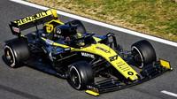 Nico Hülkenberg v novém voze Renault RS19 při druhém dni testů v Barceloně