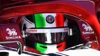 Antonio Giovinazzi v novém voze Alfa Romeo C38 při druhém dni testů v Barceloně