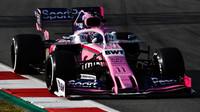 Sergio Pérez ve voze Racing Point RP19 při třetím dnu testů v Barceloně