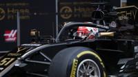 Pietro Fittipaldi ve voze Renault RS19 při třetím dnu testů v Barceloně