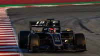 Pietro Fittipaldi v novém voze Haas VF-19 Ferrari při druhém dni testů v Barceloně