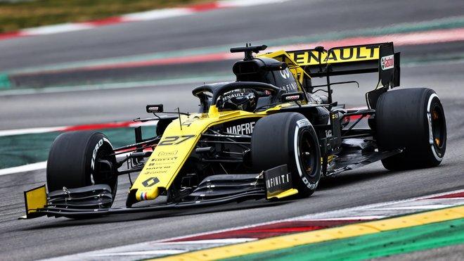 Nico Hülkenberg s novým Renaultem RS19 v Barceloně