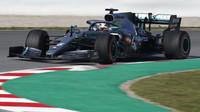 Lewis Hamilton ve voze Mercedes F1 W10 EQ Power+ při čtvrtém dnu testů v Barceloně