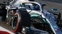 Valterri Bottas ve voze Mercedes F1 W10 EQ Power+ při čtvrtém dnu testů v Barceloně