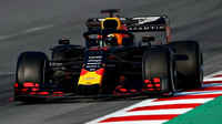 Pierre Gasly ve voze Red Bull RB15 - Honda při čtvrtém dnu testů v Barceloně