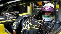 Daniel Ricciardo ve voze Renault RS19 při čtvrtém dnu testů v Barceloně