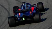 Alexander Albon ve voze Toro Rosso STR14 - Honda při čtvrtém dnu testů v Barceloně