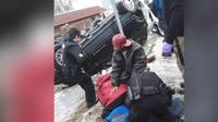 Vzpěrač dokázal nadzvednout nabouraný Jeep, aby pomohl uvězněnému člověku (YouTube/WXYZ-TV Detroit | Channel 7)