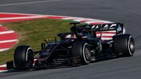 Romain Grsojean v rámci druhého dne druhých předsezonních testů v Barceloně