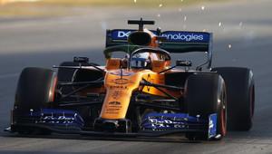 """""""Renault konečně vyrobil motor, se kterým můžeme bojovat,"""" pochvaluje si Sainz - anotační obrázek"""