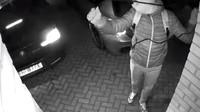 Ke krádeži BMW M140i s bezklíčovým odemykáním a startováním stačilo zlodějům necelých 20 sekund  (YouTube/ViralHog)
