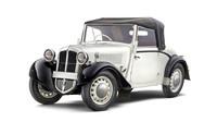 V úvodním roce 1934 vzniklo celkem asi 900 vozů Škoda řady Popular s motory 0,9 l a 1,0 l. Nejoblíbenější byly otevřené karoserie polokabriolet a roadster