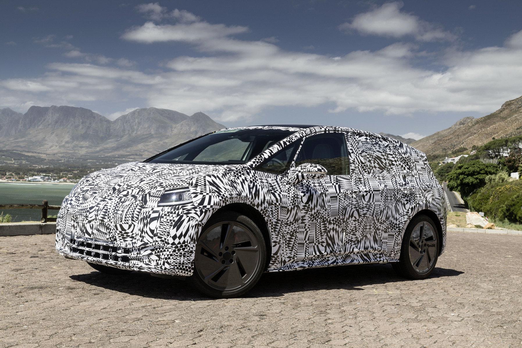 Záběry z testování maskovaného prototypu Volkswagen I.D. Hatchback