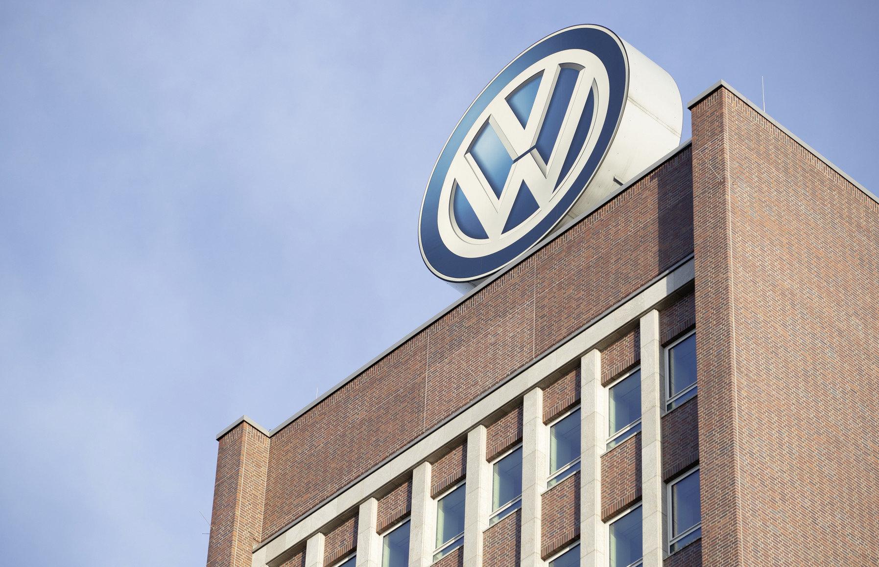 Volkswagen MÁ PROBLÉMY! Prokuratura OBSADILA sídlo značky - anotační obrázek