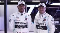 Lewis Hamilton a Valtteri Bottas v tréninku v Melbourne