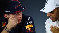 Max Verstappen a Lewis Hamilton na čtvrteční tiskovce v Melbourne