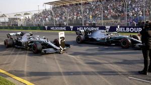 Valtteri Bottas a Lewis Hamilton po parádním výkonu v Melbourne