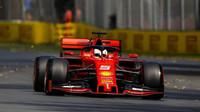 Sebastian Vettel v tréninku v Melbourne