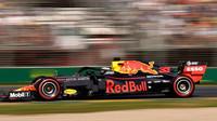 """""""Na Ferrari za sebou už nehledíme,"""" říká Helmut Marko povzbuzený výkonem Hondy - anotační foto"""