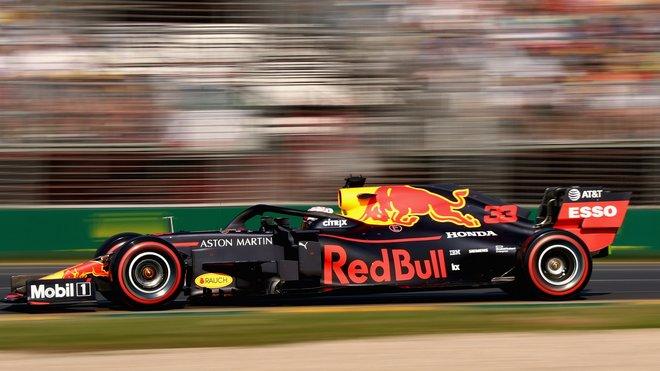 Max Verstappen s Red Bullem RB15 v Melbourne