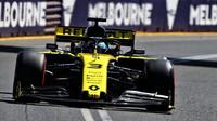 Daniel Ricciardo v tréninku v Melbourne