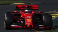 """Ferrari svému nečekanému výpadku v Austrálii nerozumí, Itálie kritizuje """"slabého"""" Vettela - anotační obrázek"""