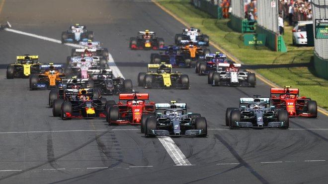 Start závodu v Melbourne