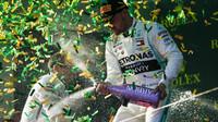 Valtteri Bottas si užívá vítězství po závodě v Melbourne