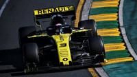 Daniel Ricciardo v závodě v Melbourne