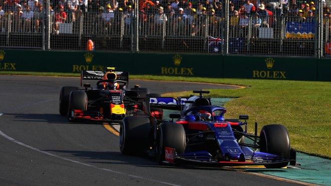 Daniil Kvjat a Pierre Gasly využívají motory Honda