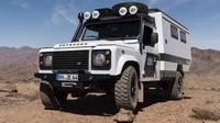 Land Rover Defender v obytné úpravě Matzker MDX