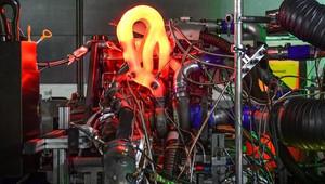Audi se pochlubila novým závodním motorem, 2.0 litrový čtyřválec ukrývá přes 610 koní - anotační obrázek