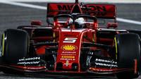 Sebastian Vettel v tréninku v Bahrajnu