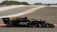 Kevin Magnussen v tréninku v Bahrajnu