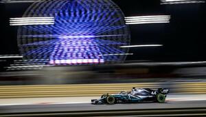Hamilton vymetl všechny sektory a překonal rekord okruhu, Renault kraloval na rovinkách + VIDEO - anotační obrázek