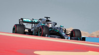 Lewis Hamilton v tréninku v Bahrajnu