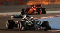 Lewis Hamilton v kvalifikaci v Bahrajnu