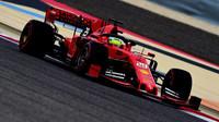 Mick Schumacher při testech v Bahrajnu