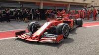 Mick Schumacher vyráží na trať s Ferrari SF90