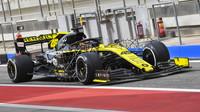 jack Aitken v rámci sezónních testů v Bahrajnu
