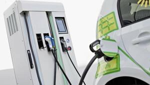 EU bude řešit sjednocení platebních metod za dobíjení elektromobilů - anotační obrázek