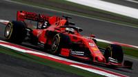 Sebastian Vettel začíná v Číně nejlépe