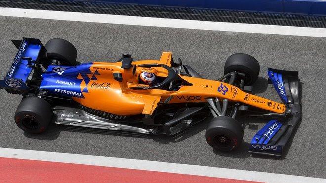 Carlos Sainz během testování v Bahrajnu