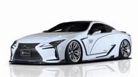 Lexus LC decentně upravil japonský tuner Rowen