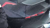 Lamborghini Aventador dostalo unikátní tuning v podobě 2 milionů krystalů Swarovski (YouTube/TheTFJJ)