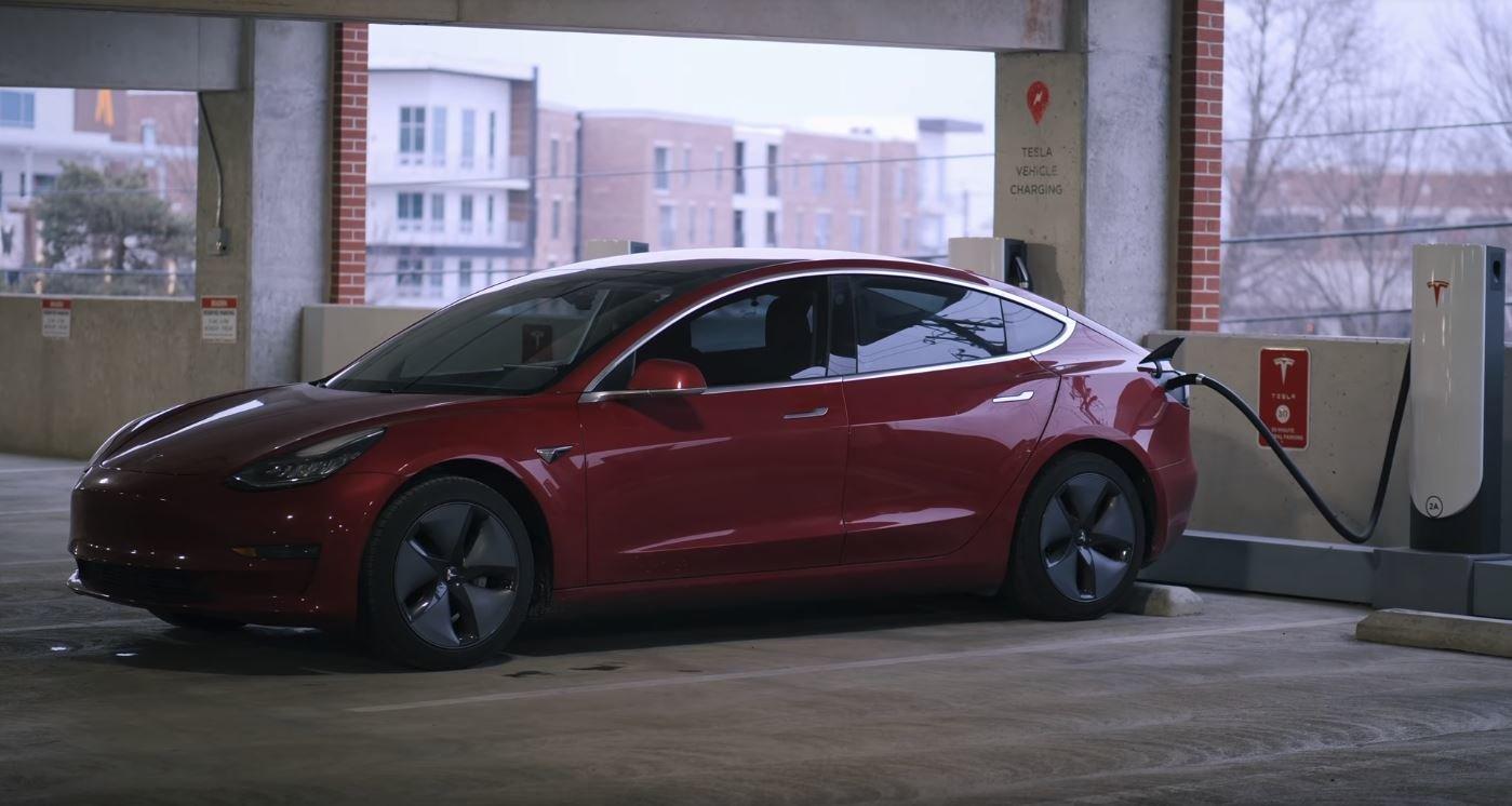 Tesla Model 3 (YouTube/Andy Slye)