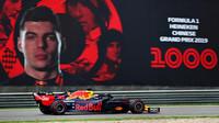 Max Verstappen při tréninku v Číně