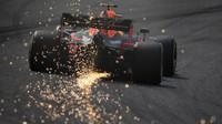 Max Verstappen zajiskřil při tréninku v Číně