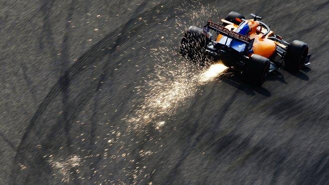 Carlos Sainz během kvalifikace v Číně