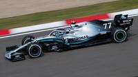 Za pomalý start Bottase v GP Španělska nemohla spojka. Na co přišel Mercedes? - anotační obrázek